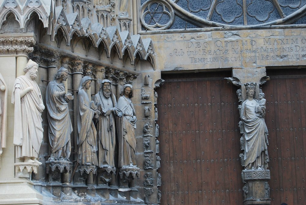 Elena Tatiana Chis,  Notre-Dame Cathedral of Reims , 13 June 2012. Six statues on the exterior of the Notre-Dame Cathedral.