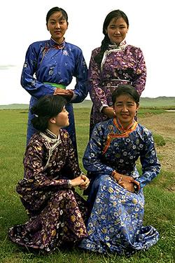 Mongolian national dress,  del .