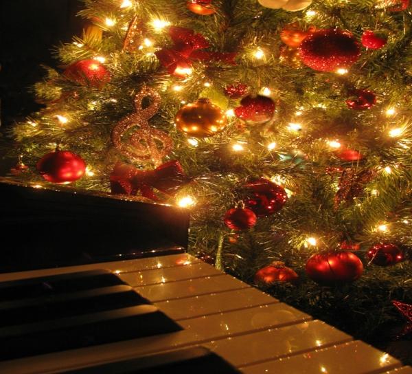 christmas-1333798_1920.jpg