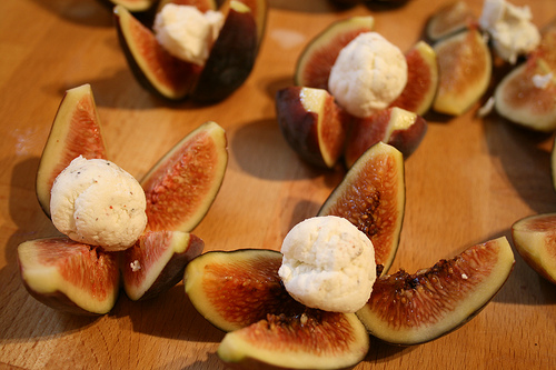 figs quartered