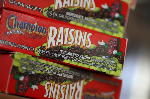 red boxes of raisins www.talkoftomatoes.com