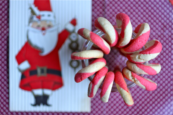 candy-cane-cookies-@talkoftomatoes-10.jpg