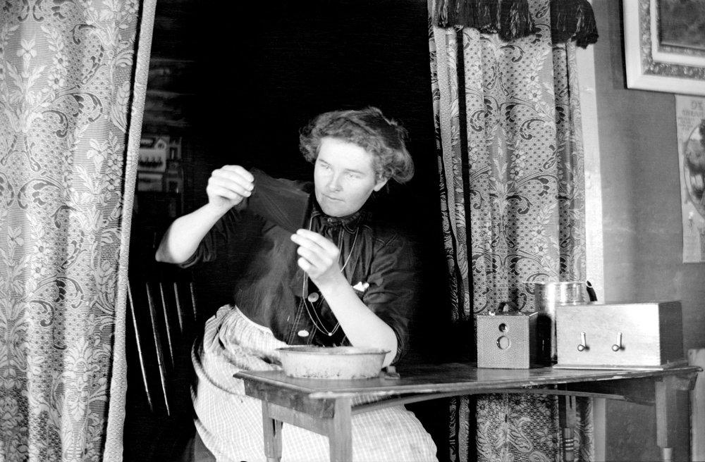 Lora Webb Nichols, 1909