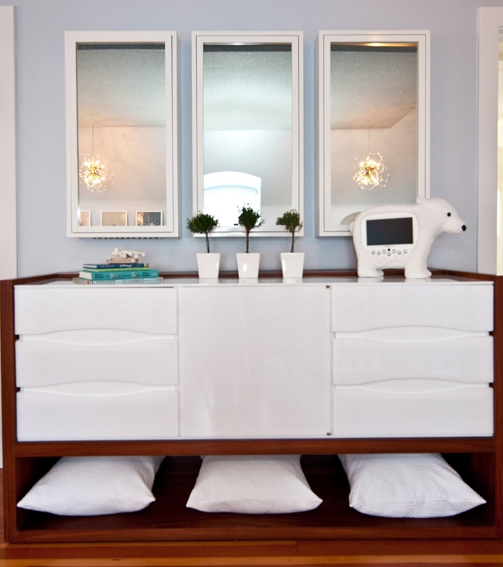 nursery, modern, mirror, white, modern dresser, light, soft tones, babies