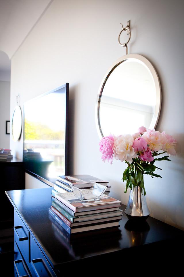 accessories, decorative, details, circle mirror, dark wood, cabinets, lighting, modern