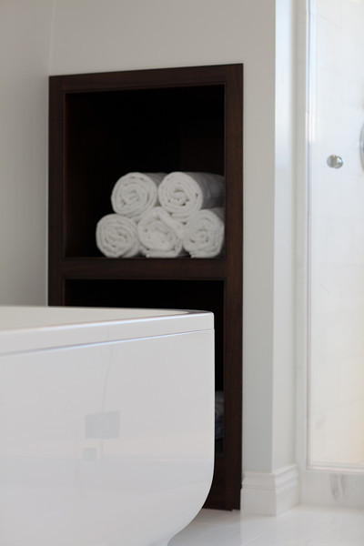 modern bath, towel storage