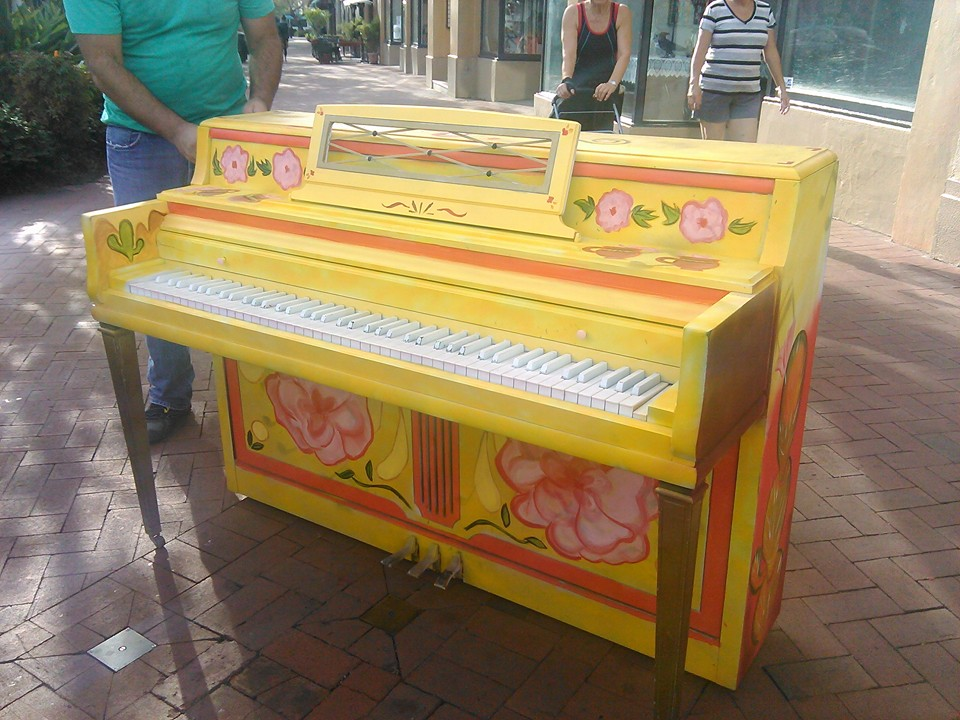PIanos On State -