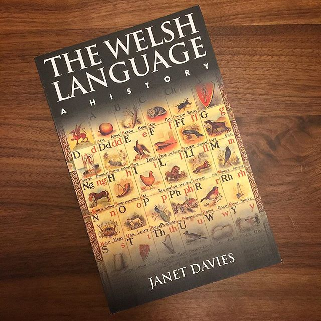Time for #welshclass again! Recommended reading - #cymru