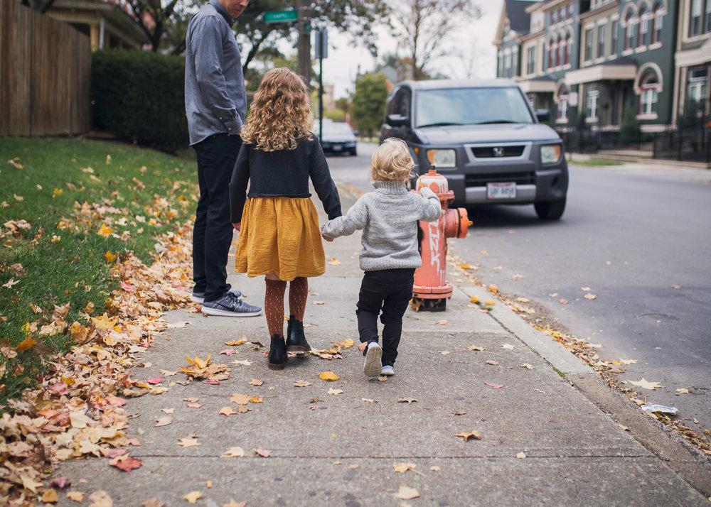neighborhood-family-session-3.jpg