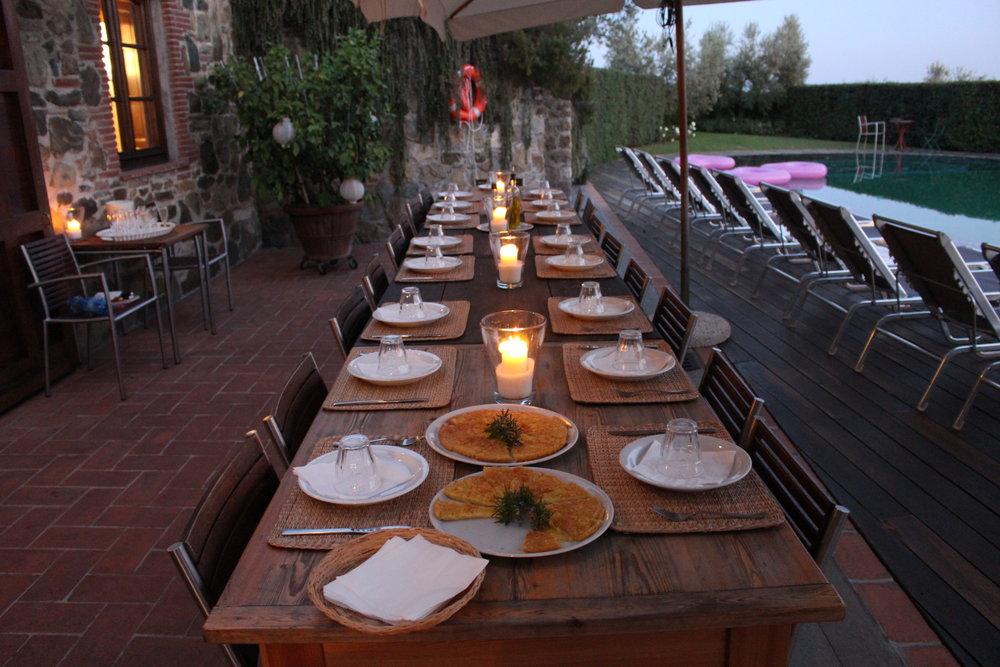 Dinner table - AL Fresco Dining.JPG