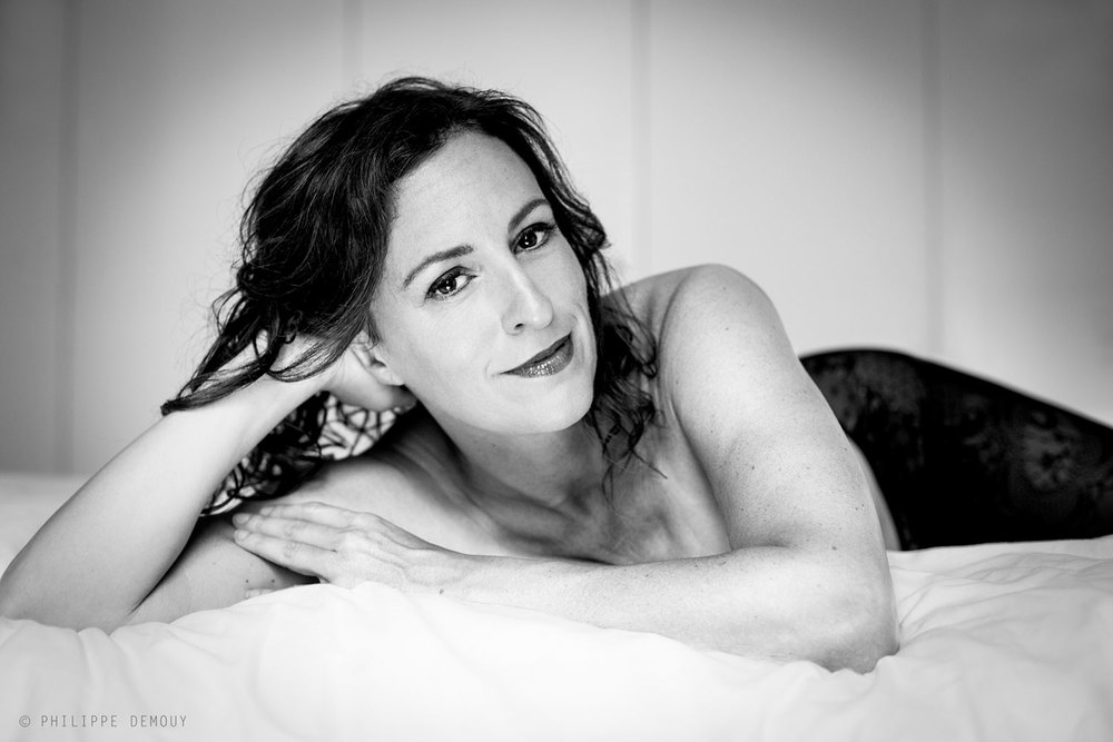 Bedroom---boudoir-francesca-van-horne-philippe-demouy-photographe-b&w2.jpg