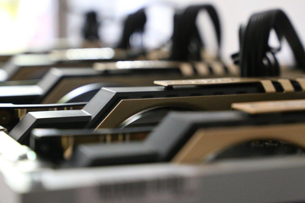 bitcoin mining server center