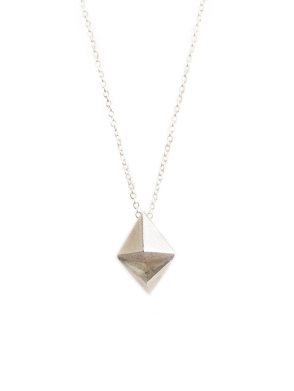 omura ethereum pendant necklace