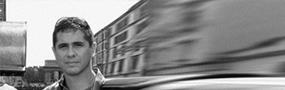 DIEGO DEL CASTILLO ROSAS    DIRECTOR EJECUTIVO   Arquitecto de la  Universidad Ricardo Palma  con estudios de  maestría en Cornell University NY,  profesor de diseño de universidad URP y SMP , ha trabajado en el estudio Hillier International (NJ), critico invitado por Cornell University (NY) y Princeton University (NJ), ha desarrollado proyectos de más de 250,000 m2 y ha escrito libros sobre arquitectura y artículos publicados en medios especializados. empresario empirico y Fundador de oAu, hoy  oAuDARQ  .