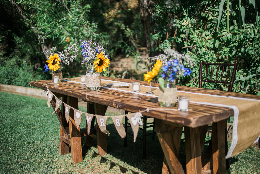 rustic+sweetheart+table.jpeg