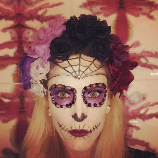 Flashback to last year: The Day before the Day before All Hallows' Eve! What is everyone up to tomorrow night? It's my favorite holiday - even more so than Leap Year (my b-day). ☠️🎃👻