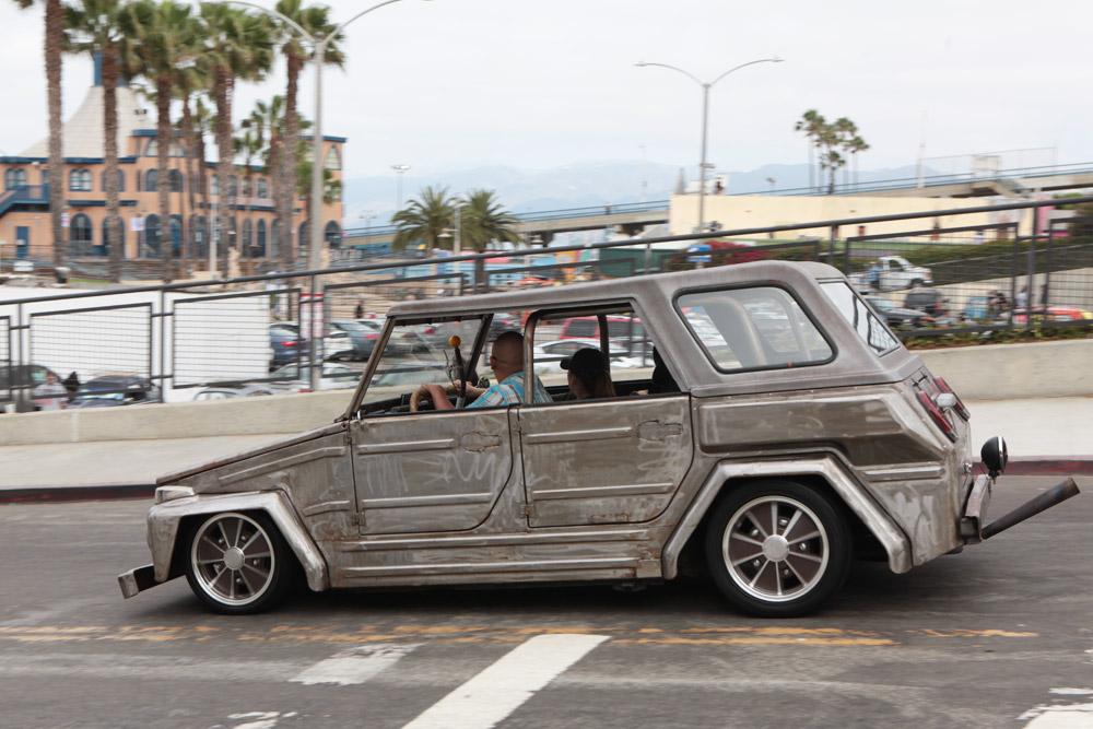 CAR_SILVER_THING.jpg