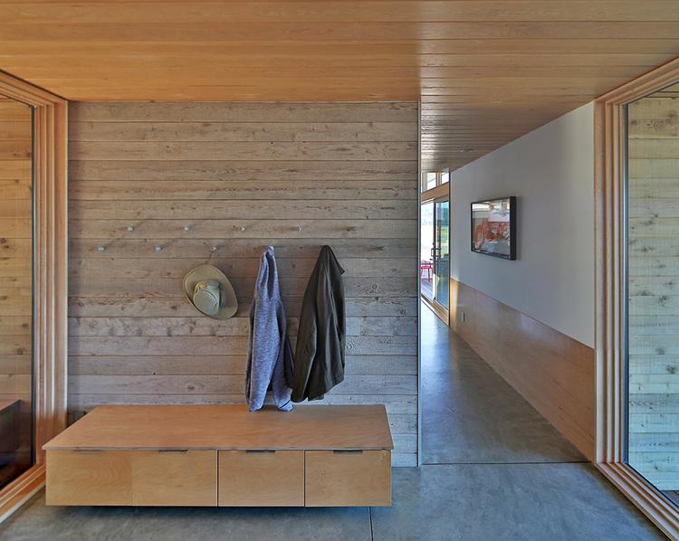 Studio-Zerbey-Architects-Kingston-Beach-House_3.png