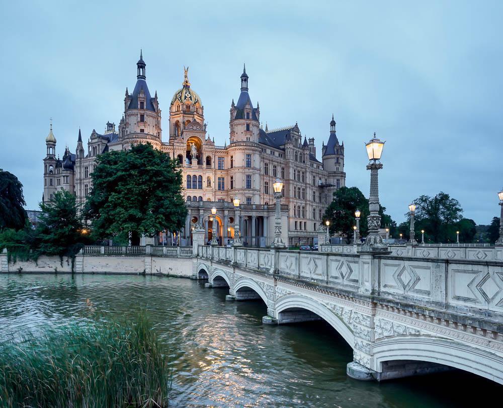 Schlossbrücke und Schloss Schwerin