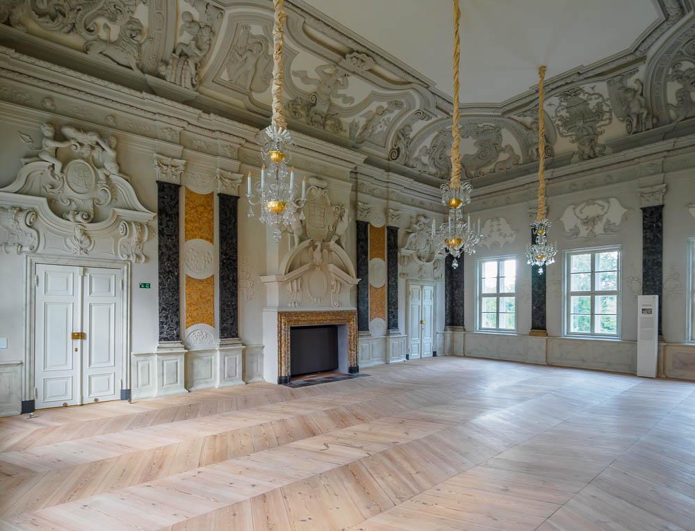 Großer Saal im Schloss Mirow