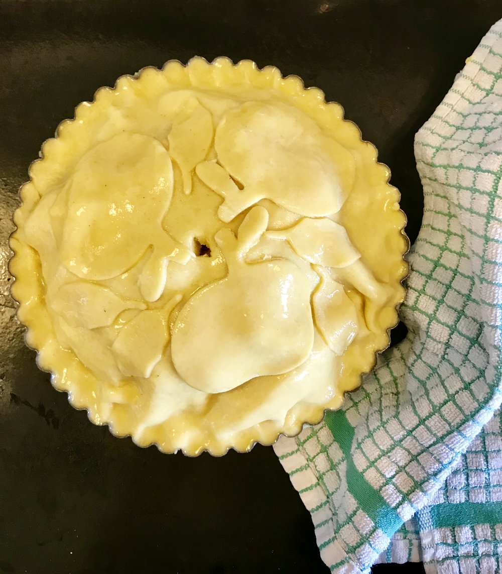 Unbaked apple tart