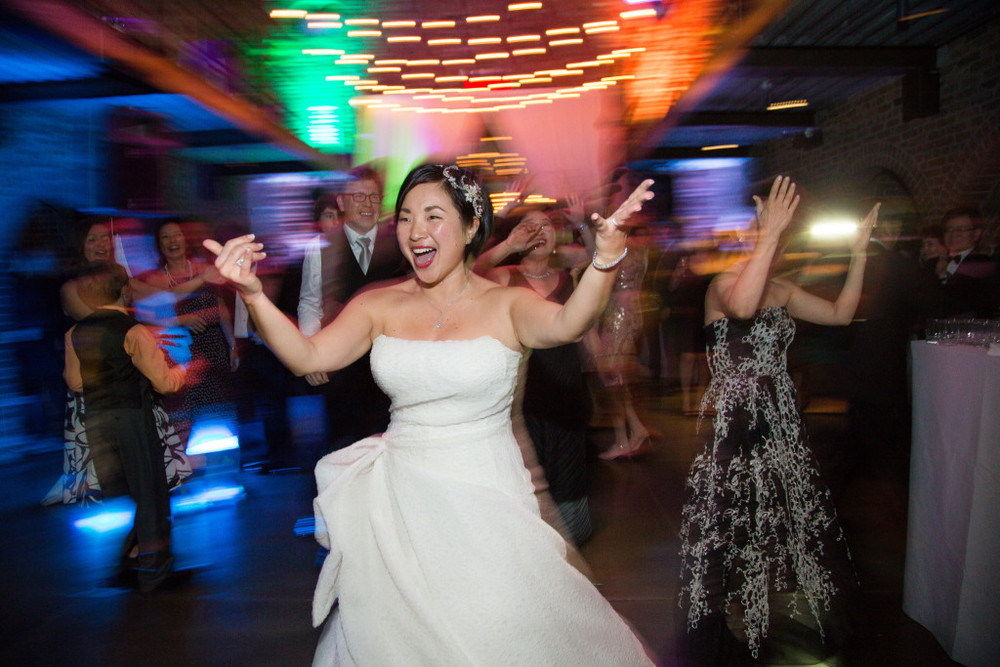 amazing-bride-dancing-shot-the-foundry-wedding-ny-1024x683.jpg