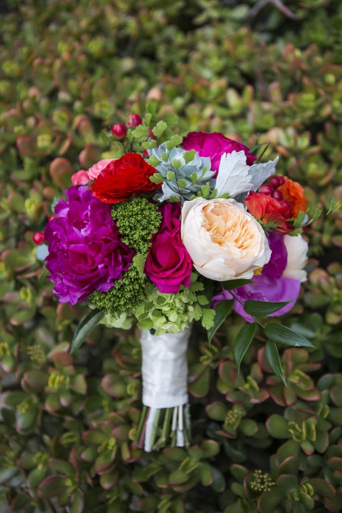 bridal-bouquet-chuck-jones-center-for-creativity-wedding-planner-683x1024.jpg