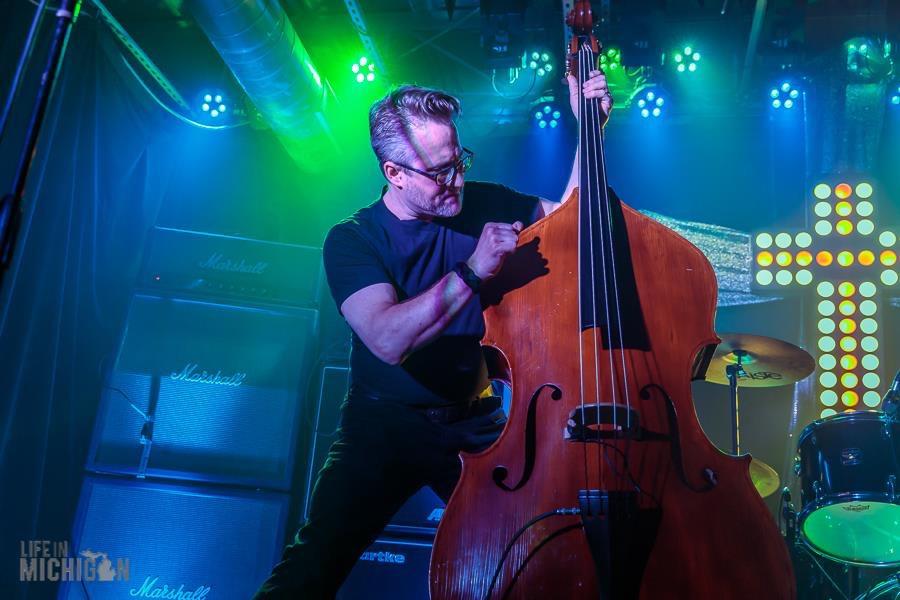 Ozzie Andrews - Acoustic Bass / Bass Guitar / Bass Banjo