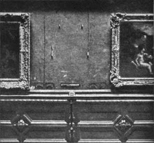 Salon Carré with the  Mona Lisa  Missing, 1911