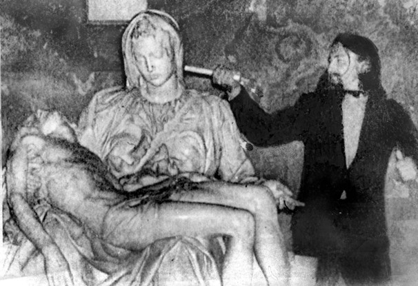 Laszlo Toth during the 1972 Pieta attack