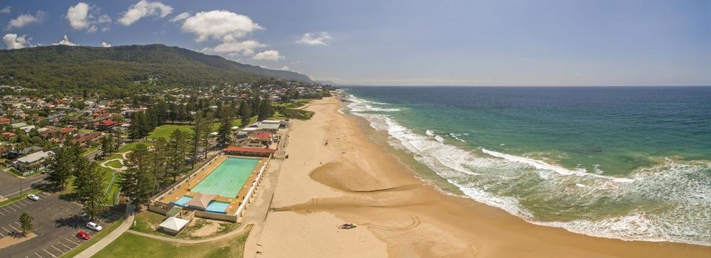 Thirroul main beach and Olympic swimming pool