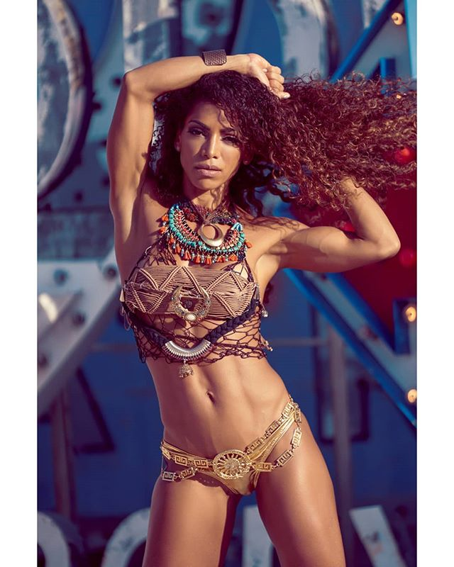 Elaine Babo (@elainebabo) for the Team Domin8 (@n8fitness) shoot at @theneonmuseumlasvegas.  #portrait #abs #tribal #bikini #wbff #fitness #fashion #sexy #bikini #muscle #model #fit #fitmodel #fitnessmodel #fitnessmeetsfashion #thebestofthebest #bestofthebest #wbffpro #pageant #fitnesspageant #show #fitnessshow @wbff_official @wbff_officialbanners @paul_dillett @allisondillett @mydphotographics @dennismcruz