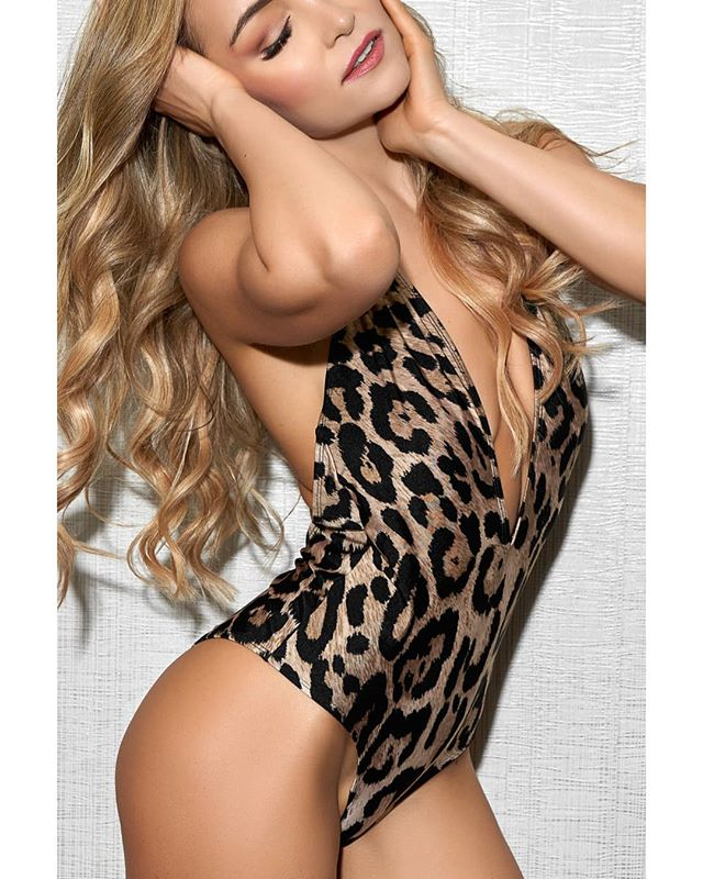 🐆 @suzanna_petrich  #leopardprint #bodysuit #onepiece #wbff #fitness #fashion #sexy #bikini #muscle #model #fit #fitmodel #fitnessmodel #fitnessmeetsfashion #thebestofthebest #bestofthebest #wbffpro #pageant #fitnesspageant #show #fitnessshow @wbff_official @wbff_officialbanners @paul_dillett @allisondillett @mydphotographics @dennismcruz