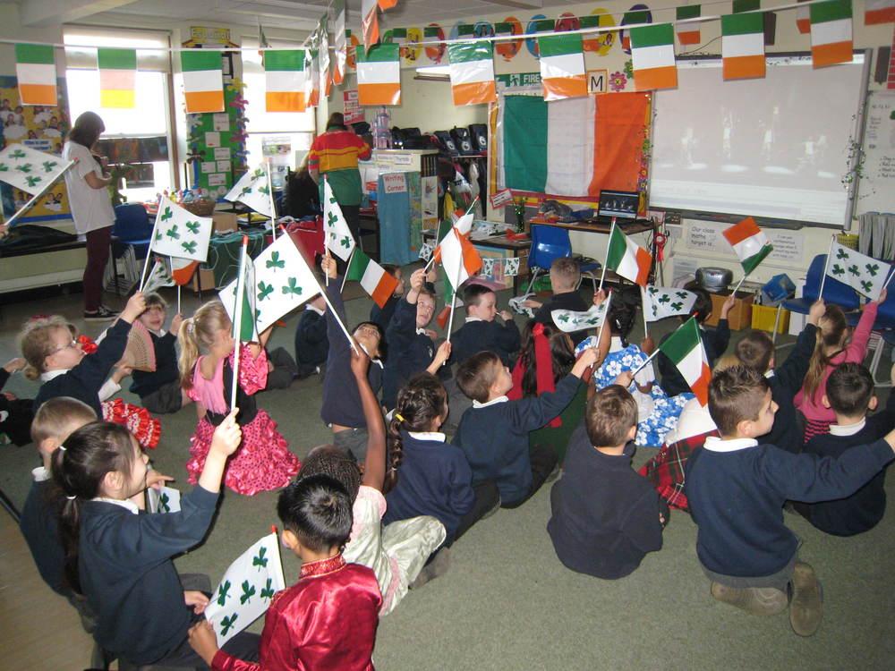 STOCK irish classroom www.celtic-irish.co.uk..jpg