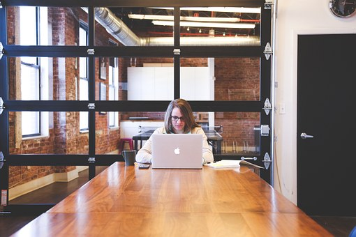 Solo worker.jpg