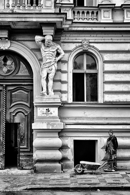 Taking the Strain - Prague October 2016.