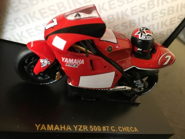 Yamaha YZFR 500 Carlos Checa model number : RAB018