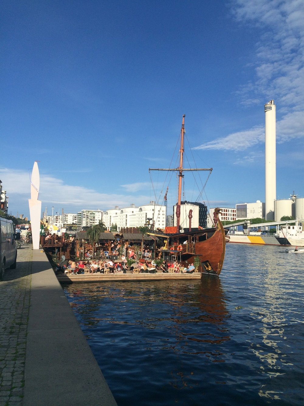 Thaibåten on a summer day.