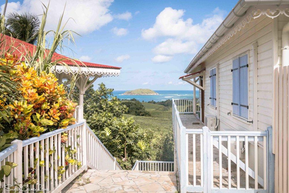 martinique, domaine saint-aubin : balcons et mer bleue
