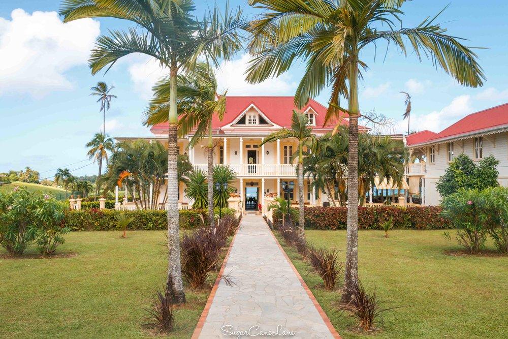 martinique, domaine saint-aubin : entrée maison creole