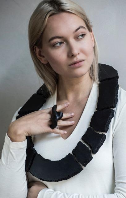 Agnes Larsson, kol / Lena Olson, trä