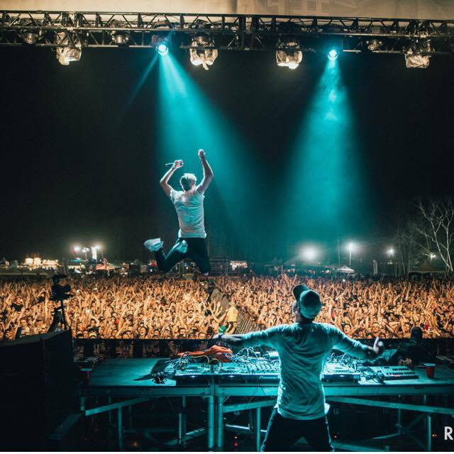 Chainsmokers jump.jpg