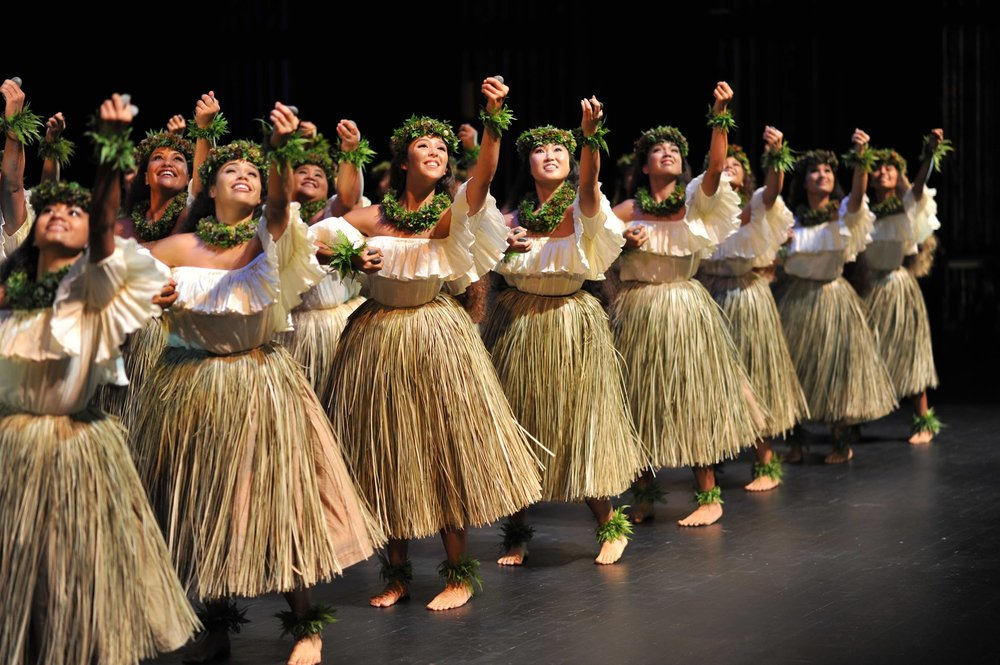hawaiian dancers1.jpg