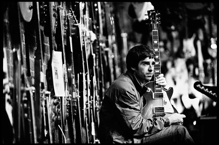 Noel-Gallagher-by-Jill-Furmanovsky.jpg