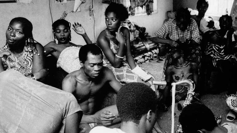 Fela-with-Queens-770.jpg
