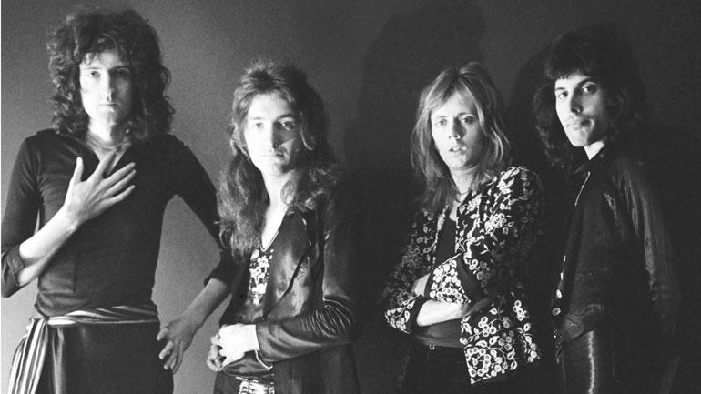 Queen-1974.jpg