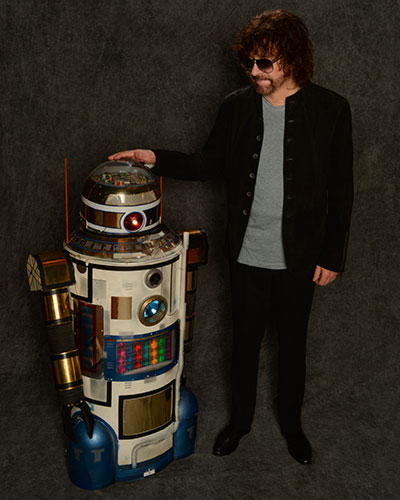 Jeff Lynne embraces the future. Photo by Rob Shanahan