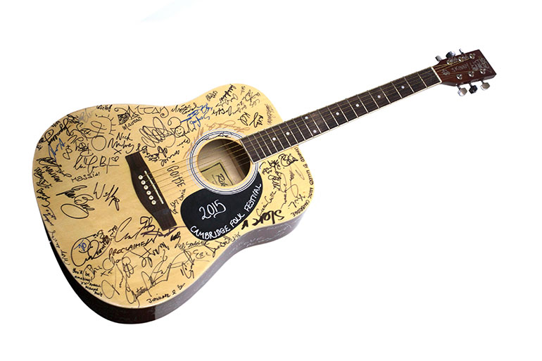 Cambridge-Folk-Festival-charity-guitar-433