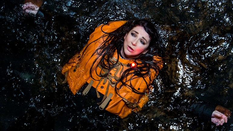 Kate-Bush-Before-The-Dawn-new-shot-770.jpg