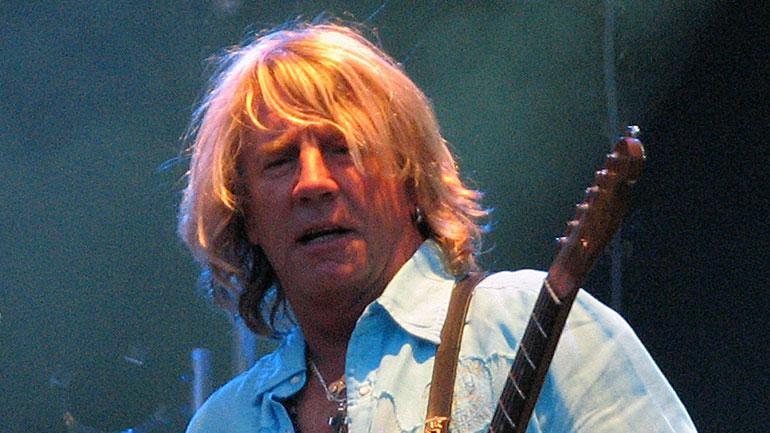 Rick-parfitt-2007-07-18-orebro-770.jpg